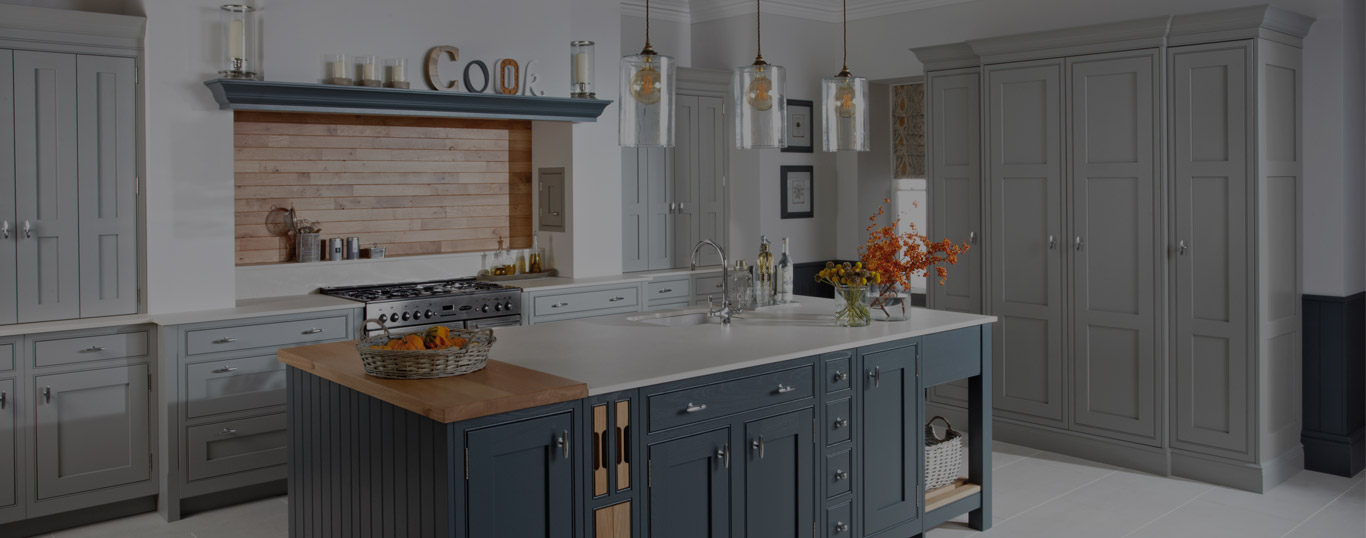 traditional & shaker style kitchens